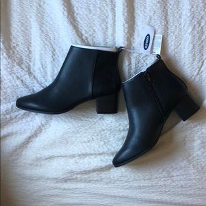Old navy black booties brand new size 8